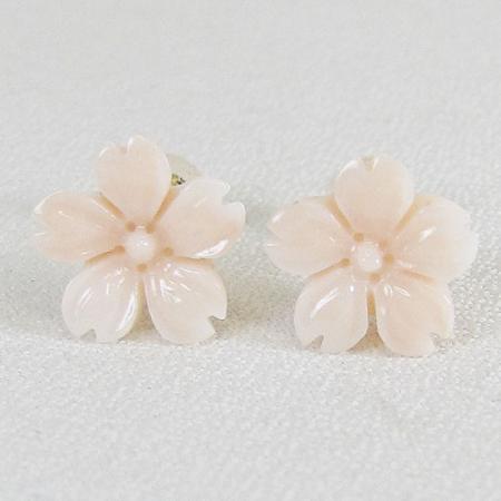 K18桜のピアス