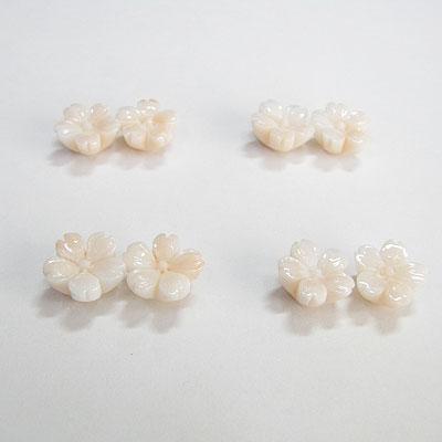 K18ミッド珊瑚桜のピアス
