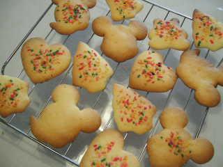 焼きたて型抜きクッキー