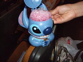 チケットの高さもなかなかでしたが、ビックリはこのカキ氷。なんと、1800円 無茶します。.JPG