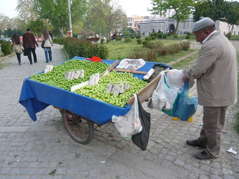 istanbul small apple guy.jpg