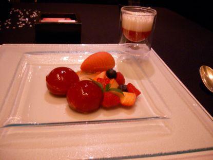 JR苺の葛餅.jpg