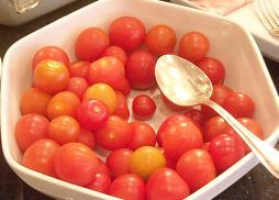 朝食のプチトマト