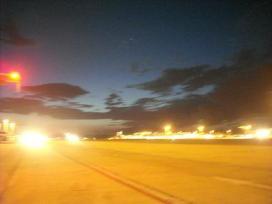 フィウミチーノ空港午後9時半過ぎ