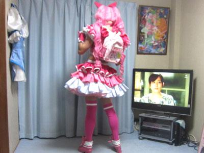 ちなみにテレビに映ってるのはドラマ『マルモのおきて』