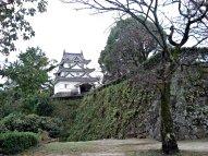 宇和島城の天守閣を望んで
