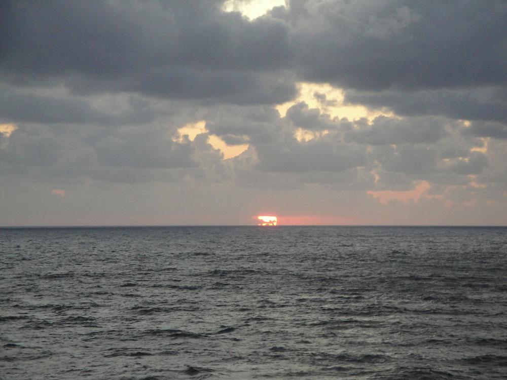 日本海夕陽3.jpg