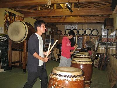 ボラバイター太鼓の練習.jpg