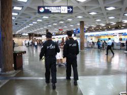 空港警察.JPG