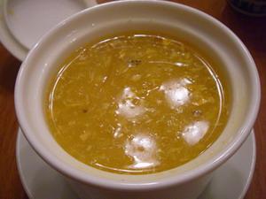 フカヒレ、ホタテ、烏賊が入っていて濃厚蟹みそ味