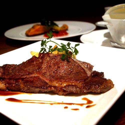 US産リブロースステーキ マルサラ酒のソース