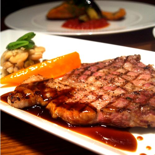 阿蘇自然豚ロースのステーキ マスタードソース