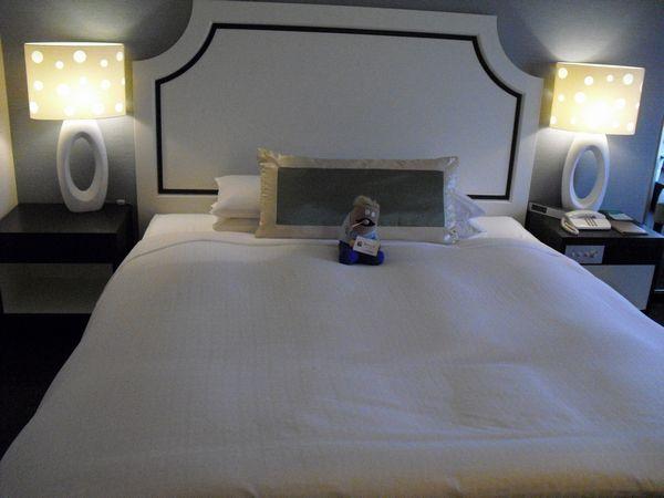 さて、キングサイズのベッド☆