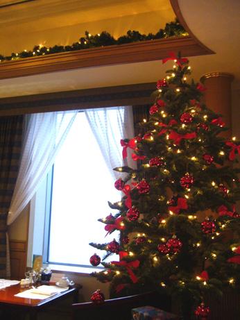 スイスホテル ラウンジツリー♪