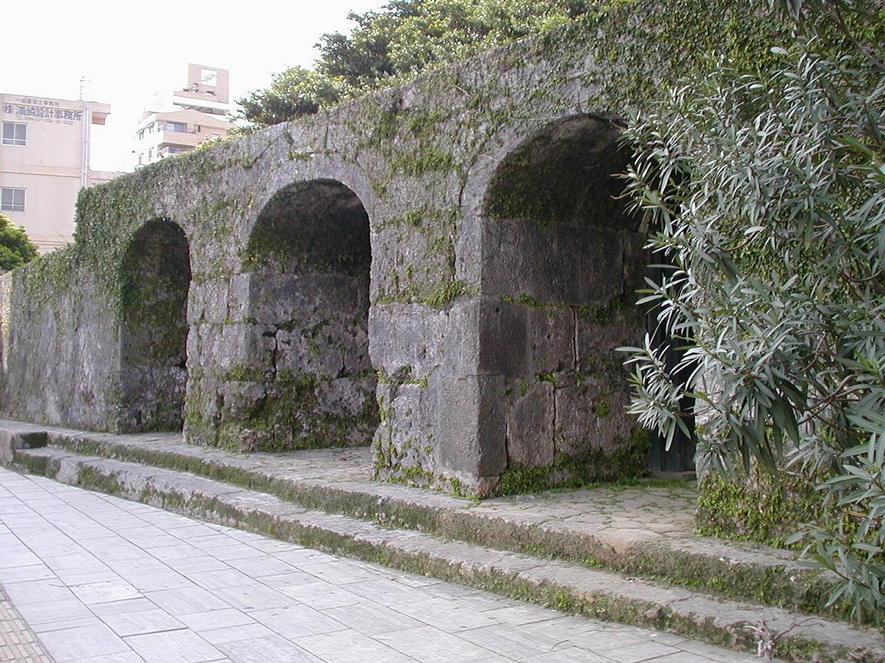 崇元寺石門.JPG