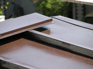 100425屋根のペンキ塗り2.JPG