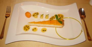 宮崎マンゴのチーズケーキ パッションフルーツソース_1_1.jpg