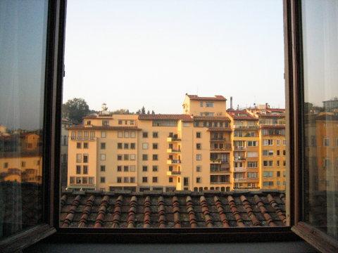 デリオラフィの部屋の窓から