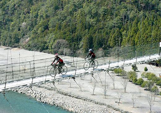 谷瀬の吊橋.jpg