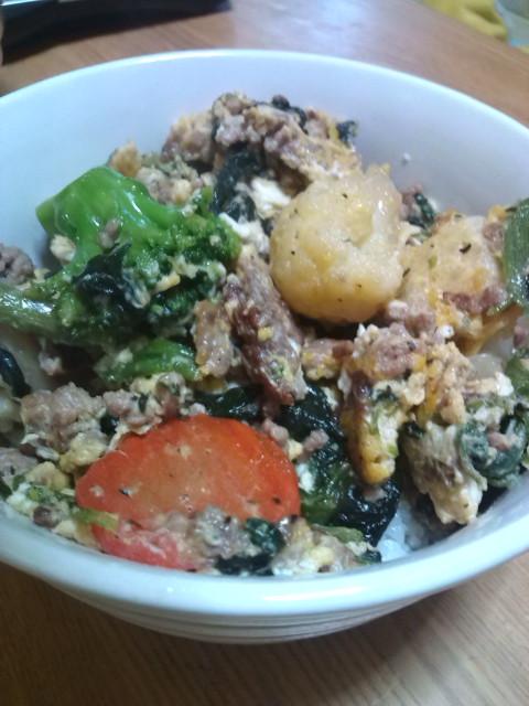 ★☆★ひき肉と野菜タップリのヘルシー丼☆★☆