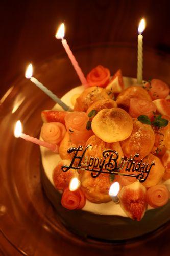 あいり誕生日ケーキろうそくつき.jpg