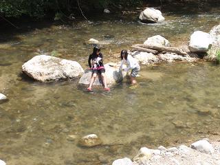 源じいの森 川遊び