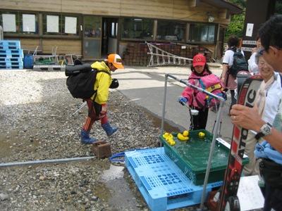 2009月山 6回目 月山リフト下駅 月山の水.JPG