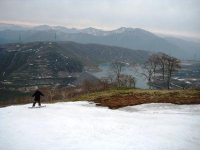 かぐら 田代湖方面 雪がない.JPG
