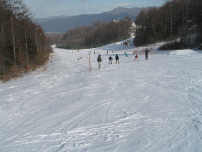 2009リエックス 第2ペアリフト上部から緩斜面12月20日 13時過ぎ.jpg