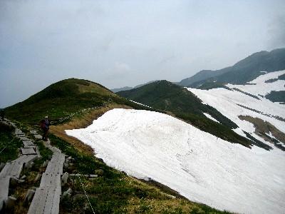 2009月山2回目 姥ケ岳山頂から牛首方面.JPG