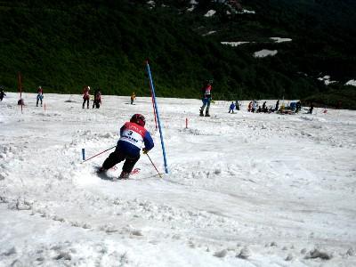 2009月山2回目 ロングポールでスラの練習.JPG