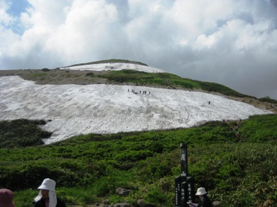 2009月山 4回目 姥が岳休憩所からの姥が岳.JPG