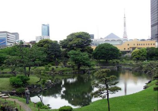 旧芝離宮恩賜庭園と東京タワ.jpg