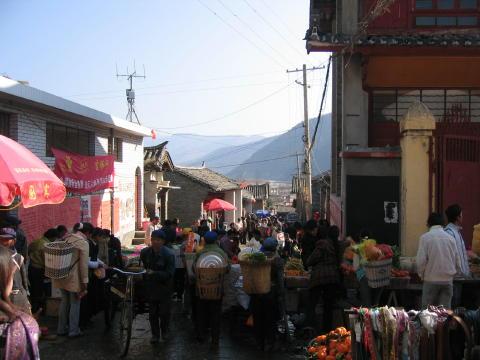 石鼓のストリート