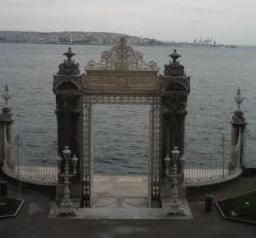 トルコ イスタンブール ドルマバフチェ宮殿 ボスフォラス海峡