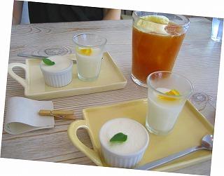 resizedドリンク、デザート2種2010.07.26ocean cafe.jpg