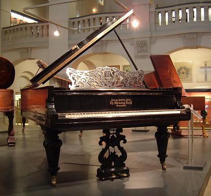 クララのピアノ