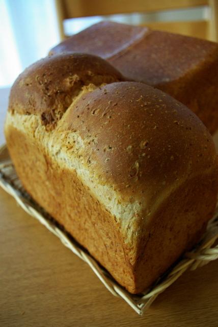 ライ麦食パン.jpg