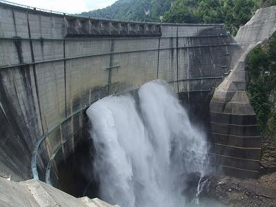 新展望台からの黒部ダム
