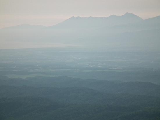 藻琴峠から知床連山