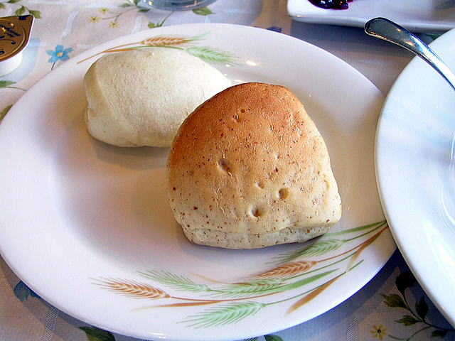 ベーカリーレストラン カンパーニュ SUWAガラスの里店のパン