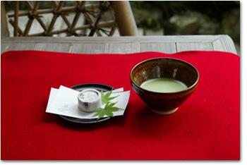 抹茶と瓢鮎菓子.jpg