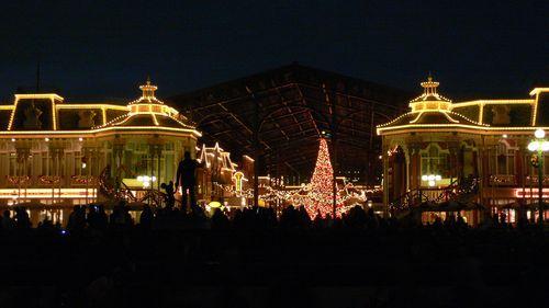 ディズニーランド クリスマスツリー2.JPG