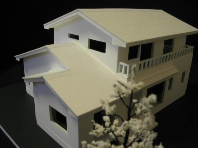 AY-HOUSE模型