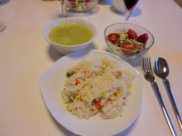 シーフードピラフ、カボチャの豆乳ポタージュ、香味野菜サラダ