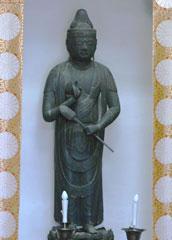 平泉寺の辻観音堂に残る850年前の聖観音立像