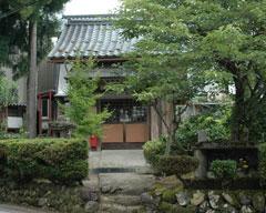 義経が宿泊したという平泉寺の辻観音堂