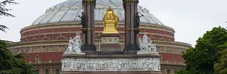 アルバート像(背面)