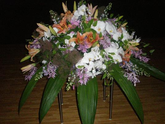 講演脇の花