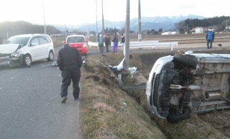 見晴らしのよい農道の交差点事故